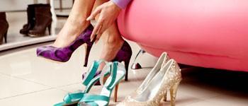 Andreia Chaves créée les chaussures d'art